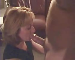 wifey  enjoys to pound hubbys pals Thumb