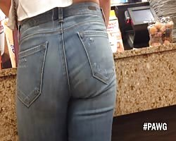 impersonal PAWG at Dunkin Donuts Thumb