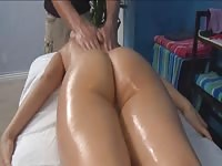 oil massage porn Thumb