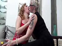 three amateur ancient and youthful lesbians fuck Thumb