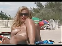Voyeur mummy dull on the Beach molten vulva Thumb