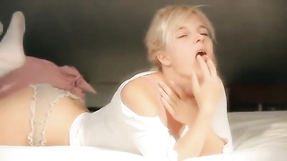 Russian Teen Monroe Solo Humps The Bed Thumb