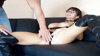 Milf in leather boots has anal sex Thumb