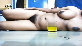 Hot Indian Girl expose her Huge Boobs , hiry Pussy Thumb
