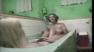 Two girls show him a wild amateur threesome Thumb