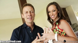 RoccoSiffredi powerfully nails Jada Stevens Thumb