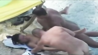 Nude Beach - benign without a condom  threesome Thumb