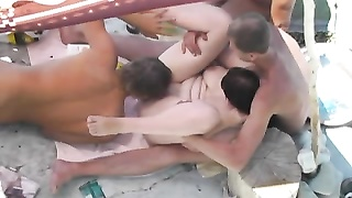 Group hookup on the beach Thumb
