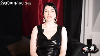 Domina Lady Julina im BDSM-Chat - German Femdom Thumb