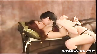 Gothic And Glam lesbo Femdom Thumb