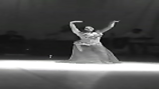 Alla Kushnir luxurious stomach Dance fragment 121 Thumb