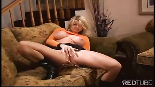 scorching Vicky Vette squashes  his fountain with her breasts Thumb