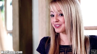 Webyoung Teeny blondes gobbling  candy clean-shaved  Pu Thumb