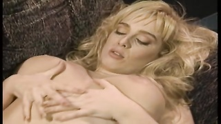 steamy lesbo hook-up  turns into 3 way Thumb