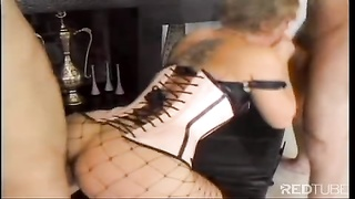 Isabella Ice arse penetrated hard by 2 chisels Thumb