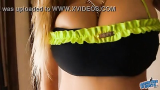 MOST unbelievable chesty blonde teenage  Has huge Cameltoe! OMG! Thumb