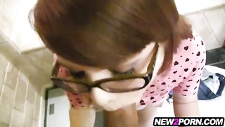 nice nerdy gf  with glasses homemade porn movie Thumb