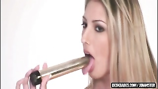 high blonde and utterly  kinky beauty Thumb