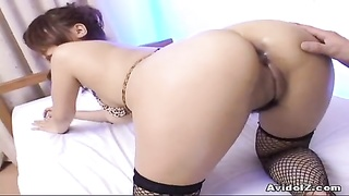 Japanese stunner dildoed in arse and cunny Thumb