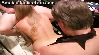 amateur strippoker groupsex party Thumb
