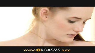 Orgasms - A Porcelain hotty plays with herself Thumb