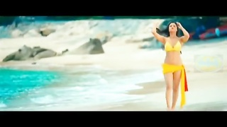 Indian cute teen Actress Alia Bhatt torrid  in swimsuit Thumb