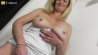 hot yellow-haired primitive mom with greedy  old beaver Thumb