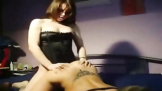 Amateurs lezzie strapon action homemade Thumb