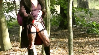 Dutch milf Forrest Flash and Allmost caught Thumb
