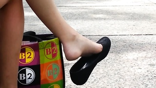 candid teenage  Shoeplay Feet gams  dangling Public Thumb