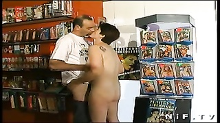 French ragged fisted and anal invasion penetrated Thumb