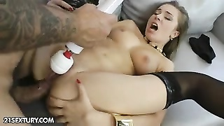 anal training of Roxy Bell Thumb