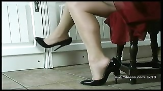 hot housewife dangles her stilettos and taunts  her sheer nyl Thumb