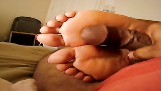 Foot touch on feet Thumb