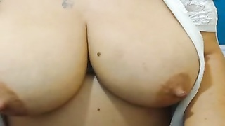 large hooter mummy  opens up  hairy labia and large ass Thumb