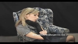 milf puts on wonderful leather gloves and becomes fetish mistress Thumb