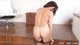 Sultry Euro Diva's moist juicy Orgasms Thumb