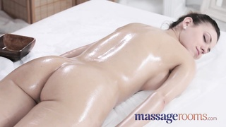 massage Rooms 2 pretty lesbians own strenuous  orgasms Thumb