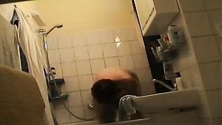 Czech redhead stale milf totally nude in bathroom Thumb