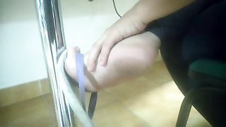 impersonal Foot and soles in college - faceshot - Jess's feet 5 Thumb