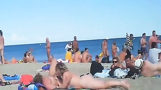 Voyeur swinger beach hook-up Thumb