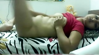 domestic made Desi woman masterbating Thumb