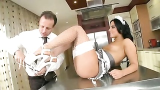 Bettina Hungarian Maid chicks donk tear up Thumb