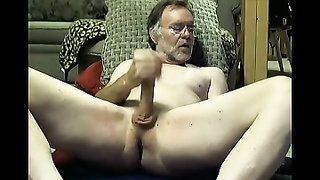 College professor dad fingers his bootie on cam Thumb