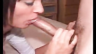 Homemade wifey  bangs two  strangers Thumb