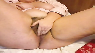 Spanish BBW plays for cam Thumb