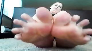 plump woman with blue toenail grind , shows off her feet ! Thumb