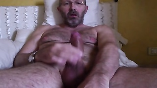 Italian oiled pecker Thumb