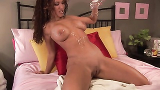 Canadian stunner greases  Up And rails  dildo On Cam Thumb