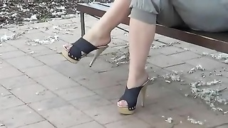 Outdoor feet Thumb